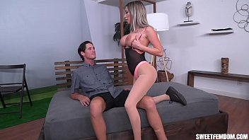 fit chick makes him lick his cum tubesexer off her tits after riding his dick