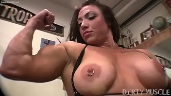 female bodybuilder brandimae viedo xxxx works her biceps and pussy in the gym