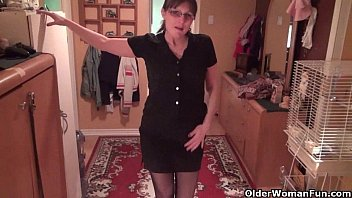 don t tell hubby i fuck the guy xxxxxbf from next door