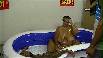 sexy bbw pokegirlgo oil wrestling 1