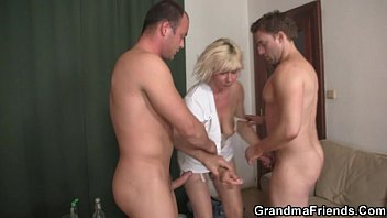 two dudes slam sexy movi old whore