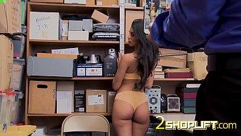 sophia bends over xitiaoliuli desk of horny cop