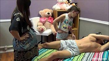 tiozin leva sarrafo www familystrokes de novinha e gravida