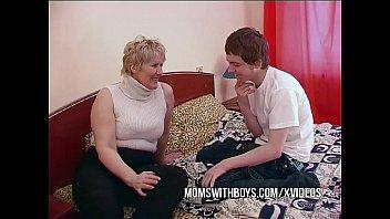 porn18 bbw mature mom seduces sons friend