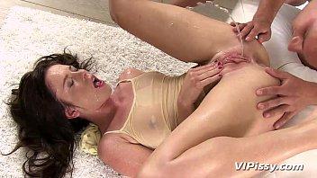 horny hottie showers in her pron videoes mans fresh urine