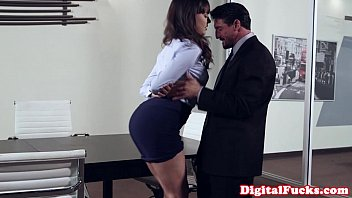 office milf mam sex pounded on top of desk