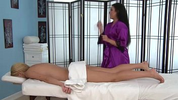 lesbian masseuse babe hijab naked at work