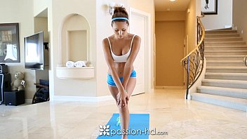 ariana marie comes xn xx video com home to fuck after a morning jog - passion-hd