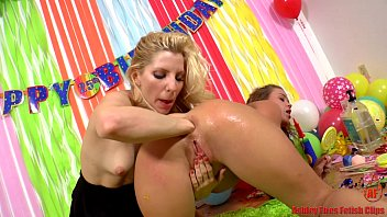 ashley fires nude girl butt and roxy raye anal cupcakes