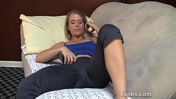 yanks milf skyla masturbates porntube downloads and cums