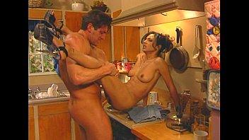 metro - in tha sexy girl video house - scene 3