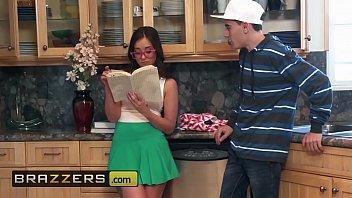 teens like it boob massage video big - gia paige jordi el nino polla - be more like your stepsister - brazzers