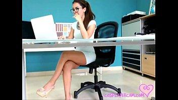 sexx vibeo secretary has fun while working
