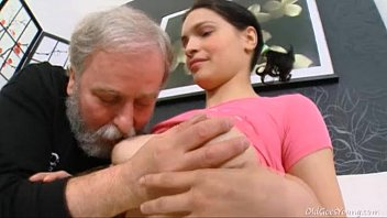 diana moans when old dude famili sex licks her hairy pussy