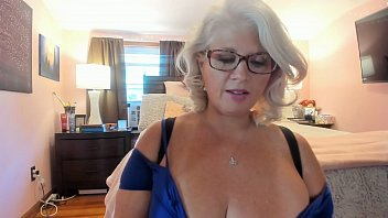 curvy milf rosie trying on pornoxxx sexy heels and dancing w glasses on