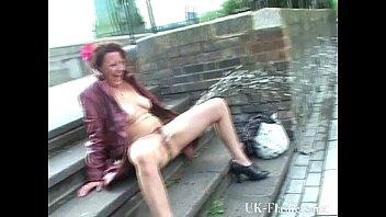 hammersmith bridge public nudity of shaz. porn vdo crazy shaz public nudity