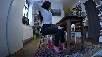beautiful secretary works from home american sex video in jeans