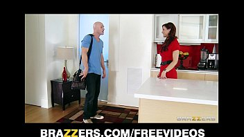 syren de mer calls in a plumber to fix her sink and fuck pyroguy tickle her ass