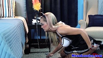 lesbian frenchmaid free por devon licking bosses box