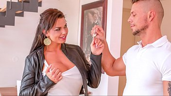 bitches abroad - hardcore fuck fest with nude sites curvy squirting tourist chloe