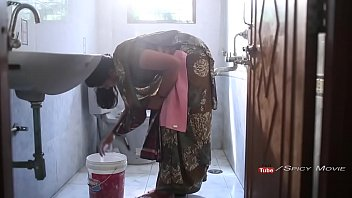 xxxsex hot surekha aunty romance with young college student