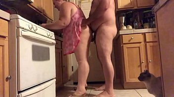 indian sex picture wife in kitchen