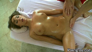 girl gets twdvd com pervert massage