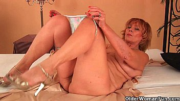 plump xxx d grandma fucks his cock with her unshaven pussy