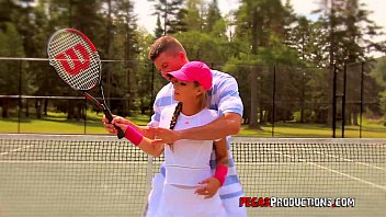 baise tubegal torride au tennis