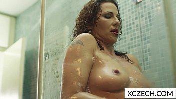 extremly hot fuk com milf showering