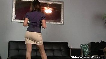american milf helena goes to town on her 89sex hairy lady bits