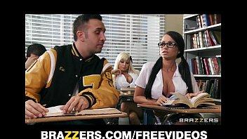 www sxx video com two competing schoolgirls start a classroom threesome