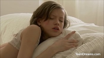 youpor  cute teen girl enjoys fucked hard