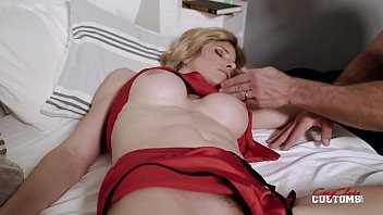 reading makes my step mom tired and limp - sexpic cory chase