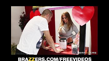 kianna dior turns her charity kissing booth into xxx prom a fucking booth