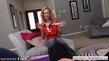 hottie housewife brandi love slurp cock xxx english picture in pov style
