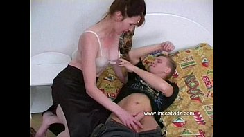 horny mother with a impressive ass seduced by parfactgirl son in bedroom