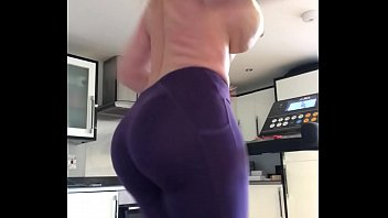 get behind my smutcam 47 inch big phat ass make that booty bounce - thesophiejames.com