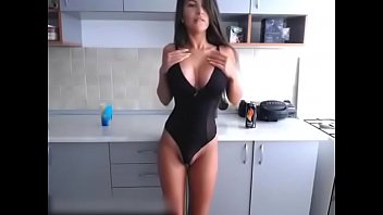 russian big boobs hot girl xvedeo shows off her tight ass and tits on cams