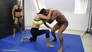 yana b. diana suzie zsuzsa vs. zsolt - 4 vs. www tubekitty 1 wrestling 1 27