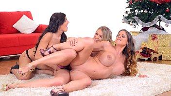 three girl lesbian strap-on pron video dawnlod fuck party