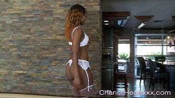 ebony freak chanell www handjob heart gives a seductive teaze