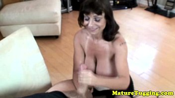 sexoxxx busty granny giving tugjob