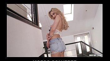 stunning blonde girlfriend sophia knight strips and rubs land chut ki photo her pussy