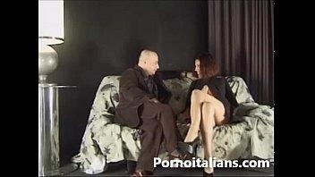 porno italiano - anushka sex il pompino al fotografo