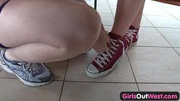 girls out west you pron - amateur girls lick their hairy cunts