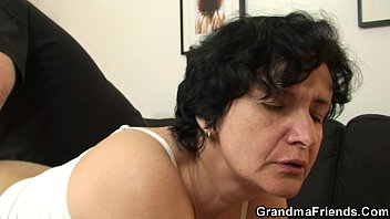 her hairy old pussy www xviedo is toyed and fucked