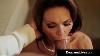 busty texas xxxxz cougar deauxma fucks her hotel room service guy