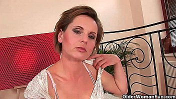 bored soccer mom needs his cock in her mouth and up brazer com her cunt