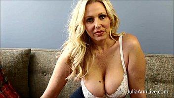 bad teacher 12xxx milf julia ann shows you how to get extra credit